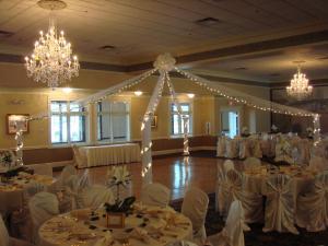 Decorative Columns on Dance Floor